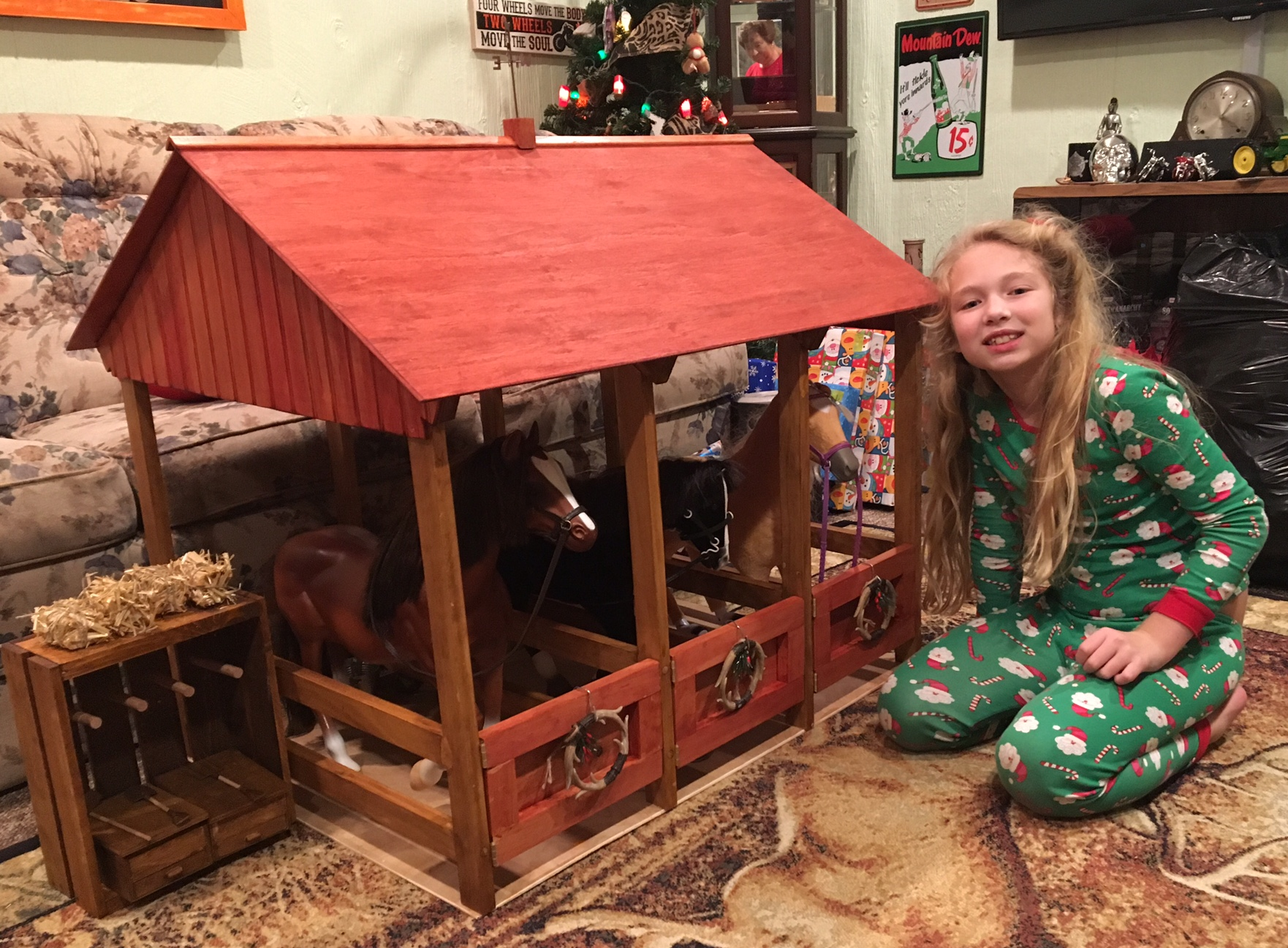 18 Inch Doll Horse Stable