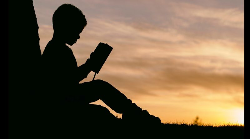 Here are some tips to keep your kids motivated to complete their summer reading!
